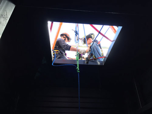 photo of combined area rescue team preparing for a lift out rescue